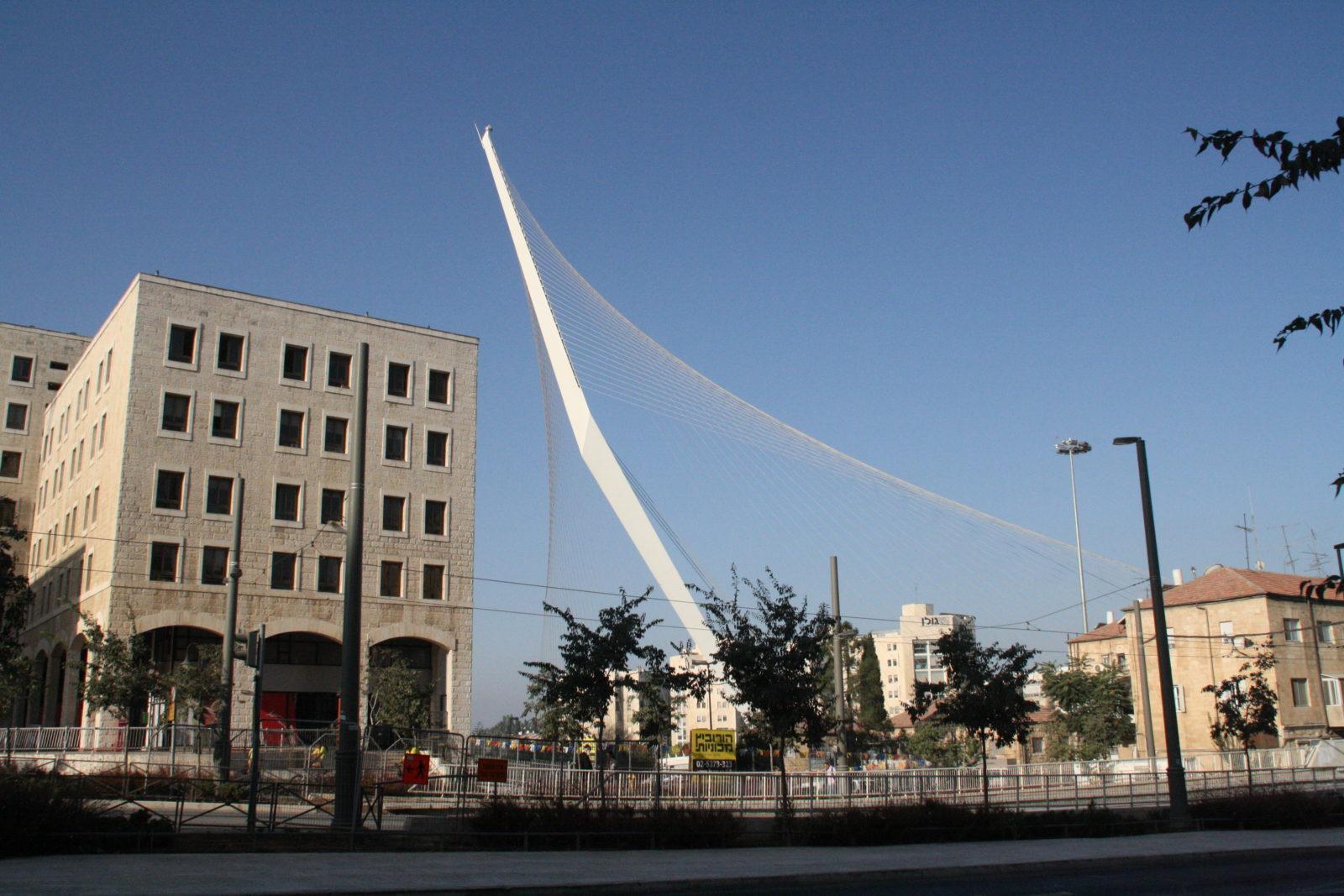 Die Straßenbahnbrücke in Jerusalem von Calatrava