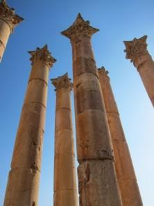 Gewaltige-Saeulen-in-Jerash
