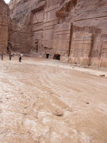 ungewöhnliche Wassermassen in Petra