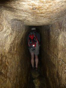 Wanderung durch den wasserführenden Hiskijatunnel