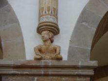Figur eines Lastenträgers im Dom von Ribe