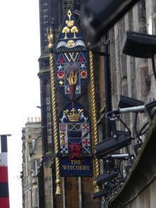 Wirtshausschild in Edinburgh