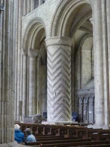 Pfeiler in der Kathedrale von Durham