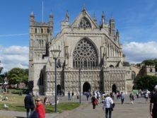Most lovely Exeter Cathedral von außen leicht unterschätzt