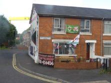 Unionisten haben ihr Haus bekenntnismäßig ausgestattet