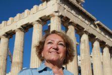 Sylvia Bermann auf der Akropolis