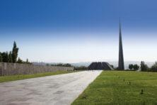 Tsitsernakaberd: Genozid-Gedenkstätte